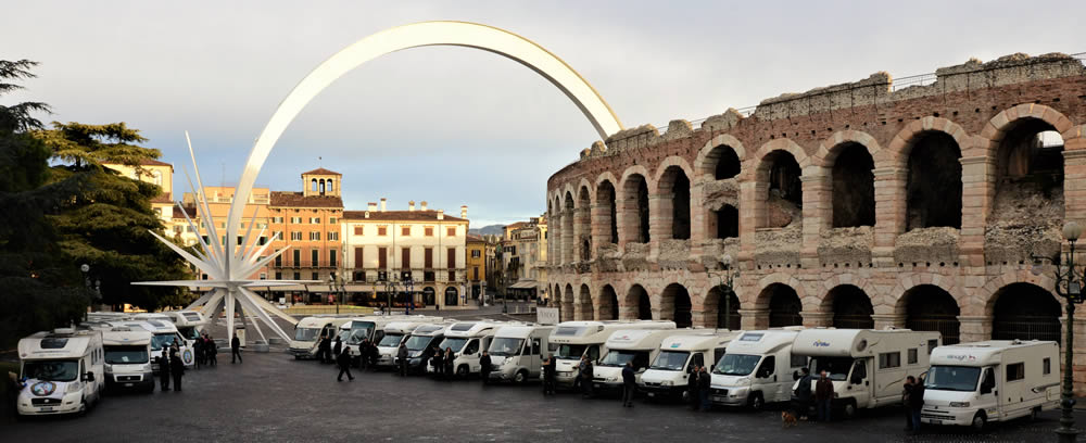 Stella Di Natale A Verona.Camper Club La Granda Raduni E Viaggi In Camper Arena Verona La